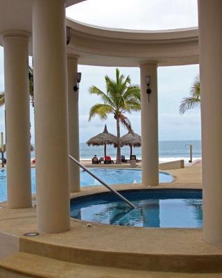 Luxury condo en Quintas del Mar II