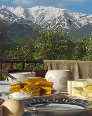 Saro's Bed and Breakfast in Tatev