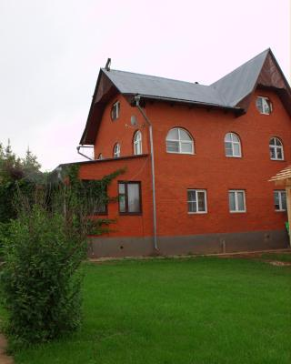 Solominka Guest House
