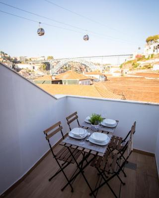 Porto Views & Wines by Porto City Hosts