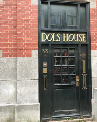 Dols Apartment