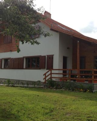 Eszter Guesthouse