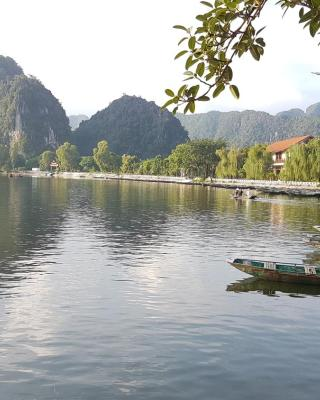 Tam Coc Mountain Lake Homestay