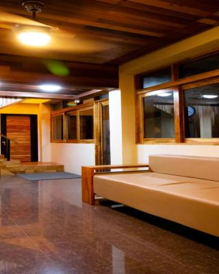 Mahogany Tourist Inn