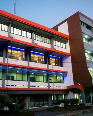Ton Nam Hotel