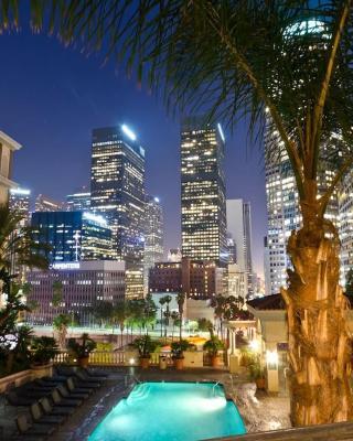 New Luxury DT LA Apt- Pool, Gym, Staple center