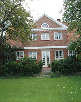 Aakirkeby Bed and Breakfast