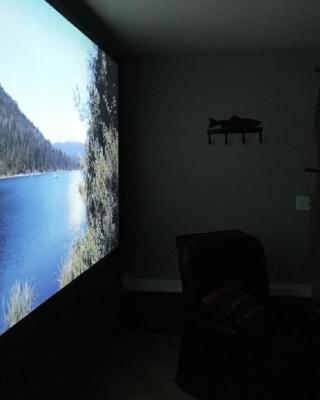 Cozy Home Theatre, slps 6