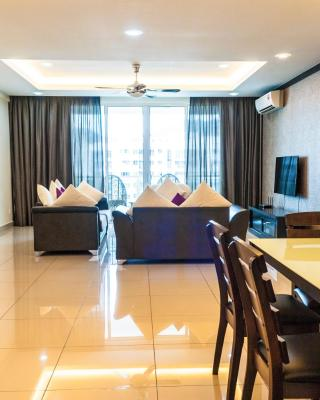 Luxury 4 Bedrooms Suite near Queensbay Mall by D Imperio Homestay