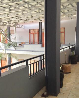 Sola Gracia Guest House & Kost