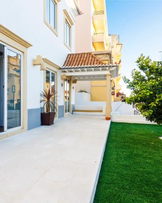 WHome | Chalet Estoril Luxury Apartments