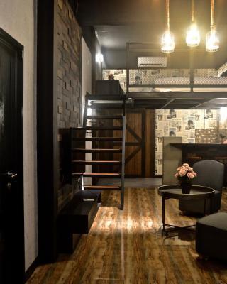 Iconic Suites & Pods Hotel