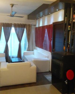 Contemporary 3BHK Apartment next to Acropolis Mall near Ruby