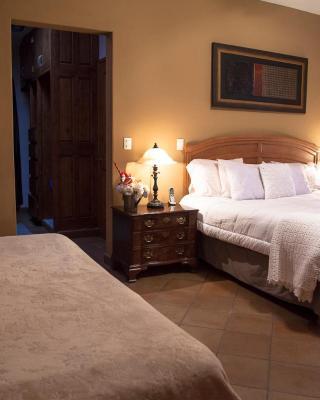 Tadeo Inn Bed & Breakfast