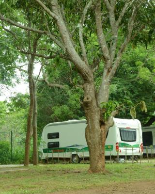 Go Outdoor Caravan Park - Wilpattu