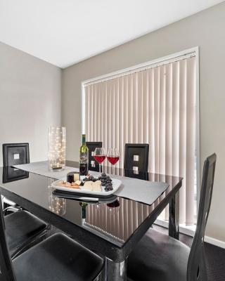 50m from Westfield Mall-Private Central Location