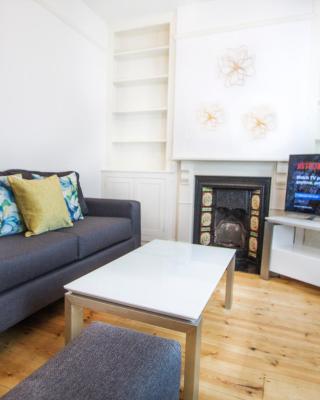 Lux Blu - Tavistock Cottage