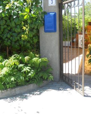 Guest House on Lermontova 3