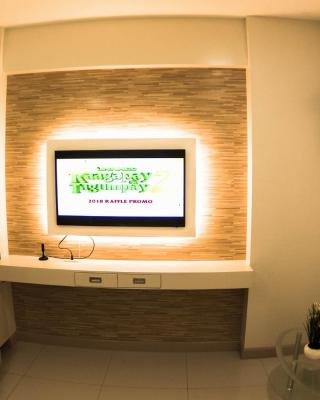 Suite Gelostair-fully furnished 2BR condo in davao city+ Wi-Fi/pool/near airport/major malls