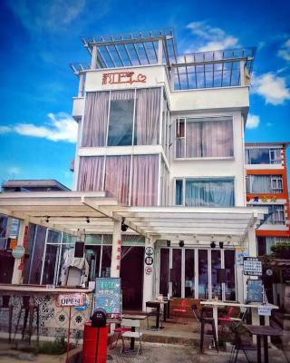 Yueba Seaside Inn