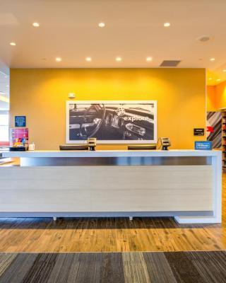 Hampton Inn & Suites Boston/Waltham