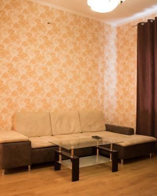 2 Rooms Apt on Metallurgov 3
