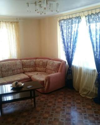 Аппартаменты на Максутова