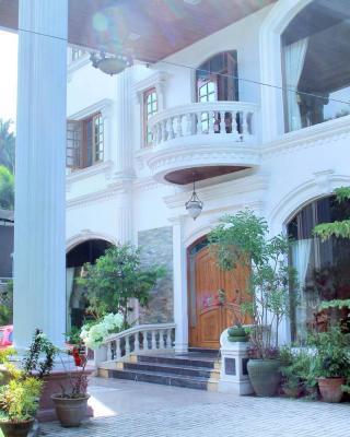 Shwe War Guest House