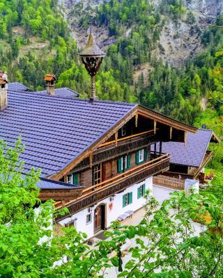 Berg'k'hof Kaisertal - Alpine Hideaway