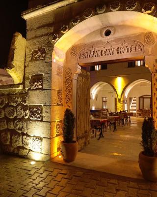サフラン ケイヴ ホテル