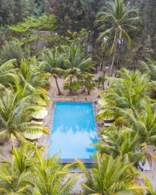 Le Domaine De Tam Hai Resort