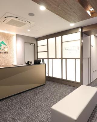 Leo Yu Capsule Hotel