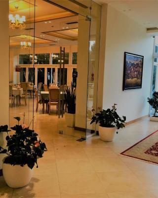Grand White City Hotel