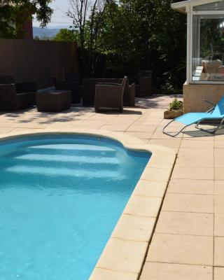 Maison de vacances avec piscine et cinéma privé