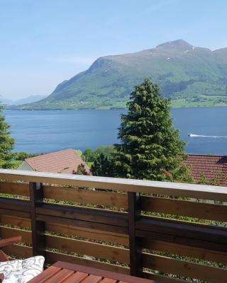 Holiday Home Kvernesfjorden