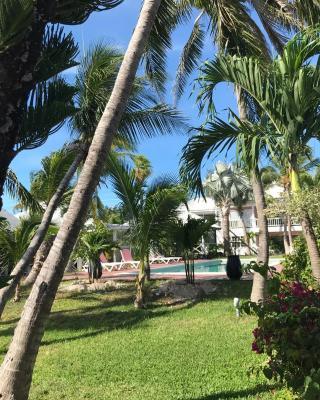 Coconut grove leeward settlements
