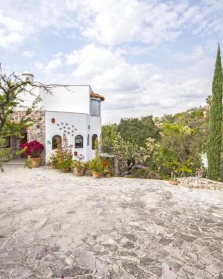 La Casa de las Bugambilias - Boutique Villas Xichu