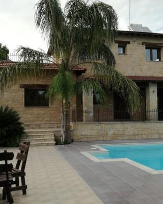 Valencia Grove Villa