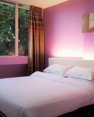 De UPTOWN Hotel PJ 222