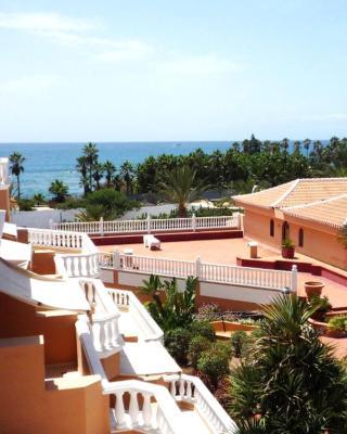 Beachfront Residence Las Americas - TRG