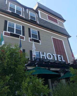 Crescent Suites Hotel