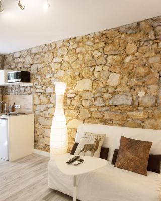 Murs en pierre /Terrasse privée /Parking - Wifi