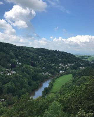 Karah Retreats - Symonds Yat