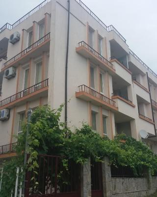 къща за гости семейство Маврови