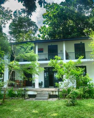Villa by the Lake Bolgoda, Moratuwa-Colombo