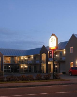 295 on Tay Motel
