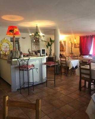 Hotel Le Delta, Saintes-Maries-de-la-Mer, France - Booking com