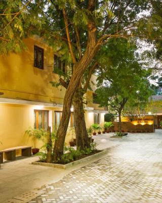 Hanu Reddy Residences Poes Garden