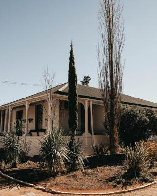 Karoo Ouberg Guest Lodge