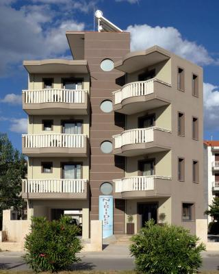 Niriides Studios and Apartments